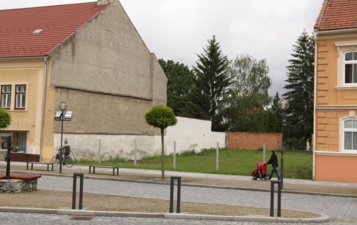Překvapení v Ostrohu: na náměstí vznikne bytovka