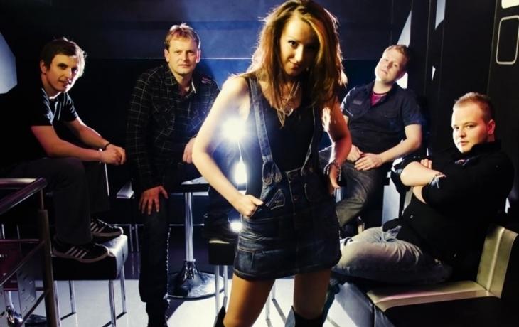 Nová éra kapely Scarlet rose