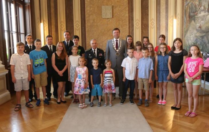 Dětem poděkovali starostové