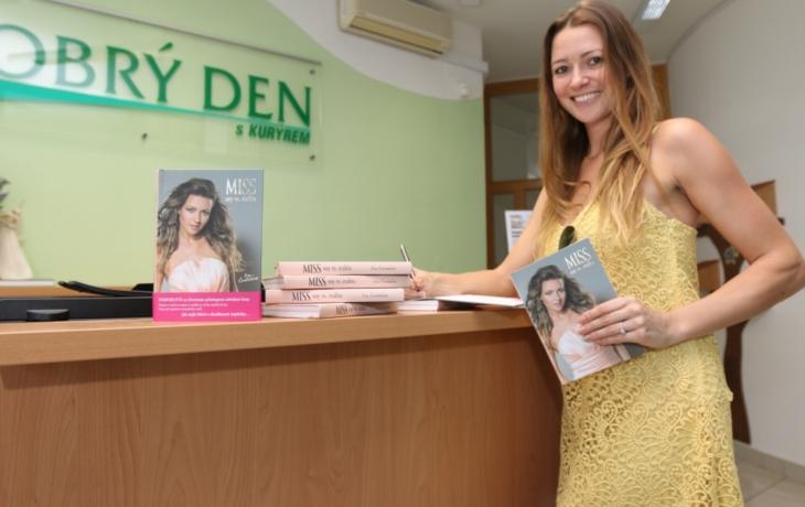 Miss přinesla knížky čtenářům DOBRÉHO DNE osobně!