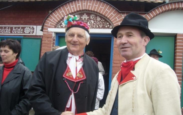 Ve druhém kole voleb se utkají Doupovcová a Vaculík