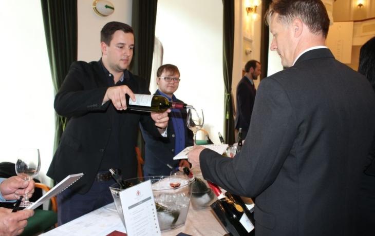 Třináct vinařství nabídlo špičková vína