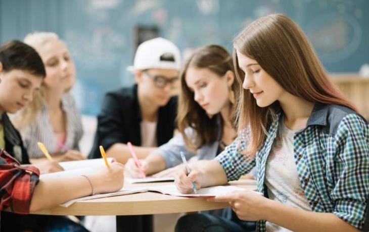 Maturity na gymnáziích prý nejsou problém, tvrdí ředitelé
