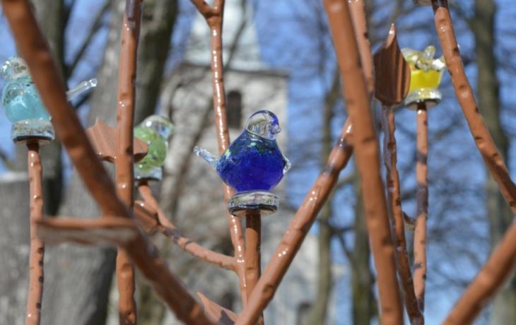 Hradčovice vysadily na Slovensku železný strom