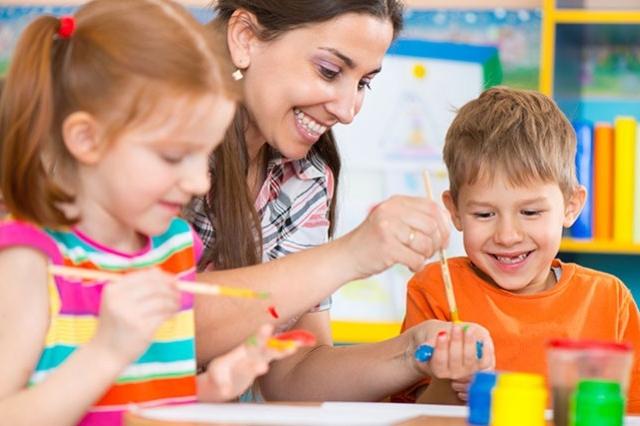Školka už nebude muset děti odmítat, staví se další třída