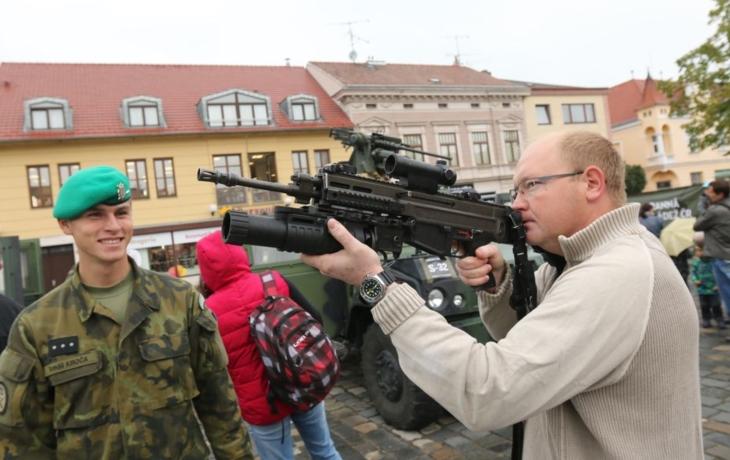 Armáda obsadila náměstí