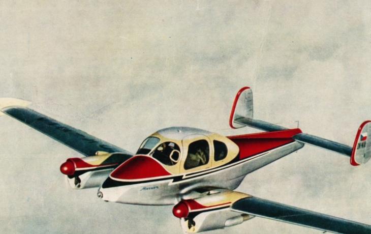 Piloti příletí na legendárních strojích. Po přistání vysadí lipu