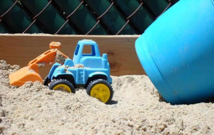 Kromě labyrintu vznikne u zámku i pískoviště