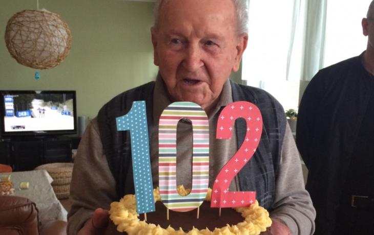 Oslavil 102! A stále sleduje sport i politiku