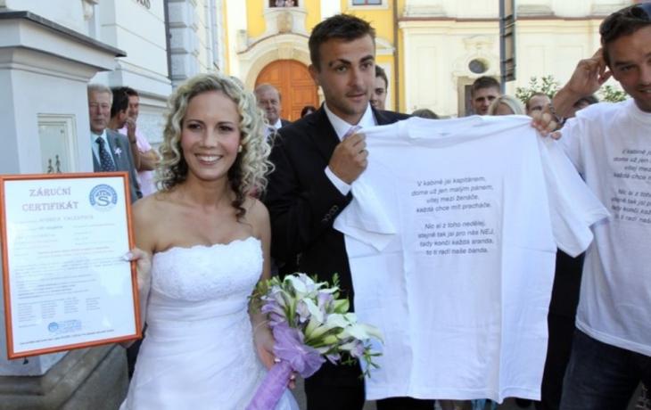 Oženil se, ale penaltu nekopal