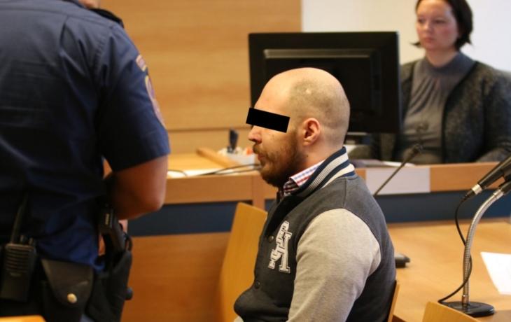 Vrah dítěte dostal 26 let, doživotí neprošlo