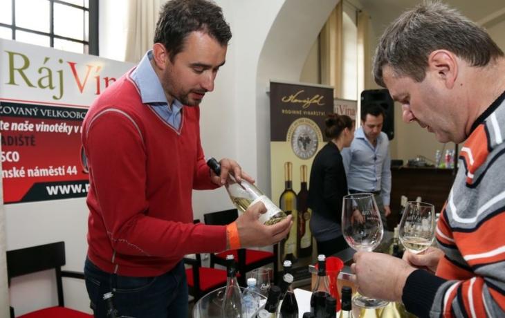 Moravská vína i pravé šampaňské