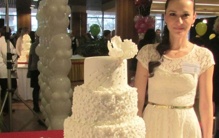 Třpytivá kráska z Kunovic je svatebním dortem roku