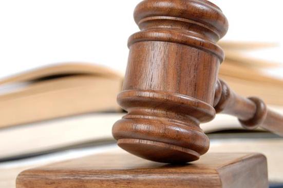 Právní experti: Hejtman Čunek chce prosadit novou nemocnici pomocí usnesení, které je v rozporu se zákonem