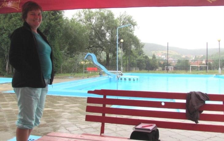 Bazén netěsní, denně z něj zmizí 20 tisíc litrů