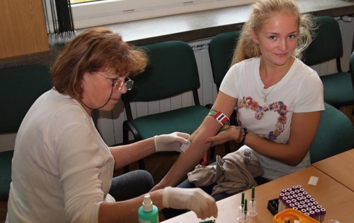 Studenti darovali krev. Zachrání lidský život?