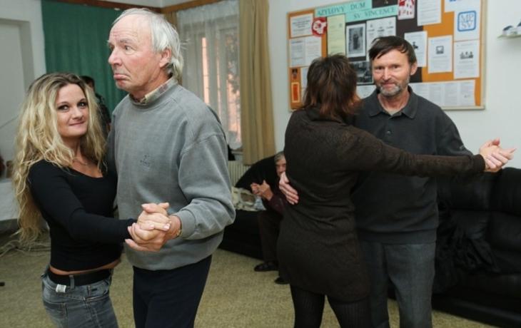 Azylový dům roztančila kapely Sory