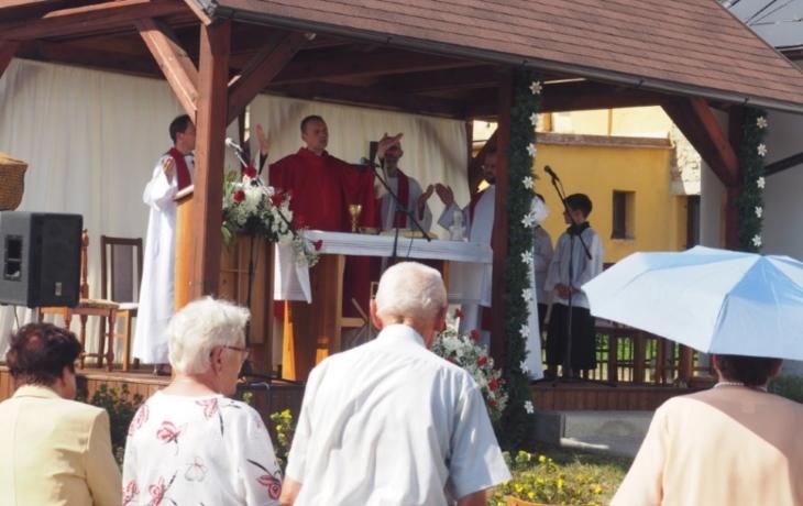 Ve Zlámanci rodáci slavili jubileum kaple