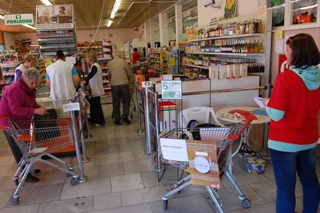 Nakupující odevzdávali potraviny. Získají je sociálně slabé rodiny
