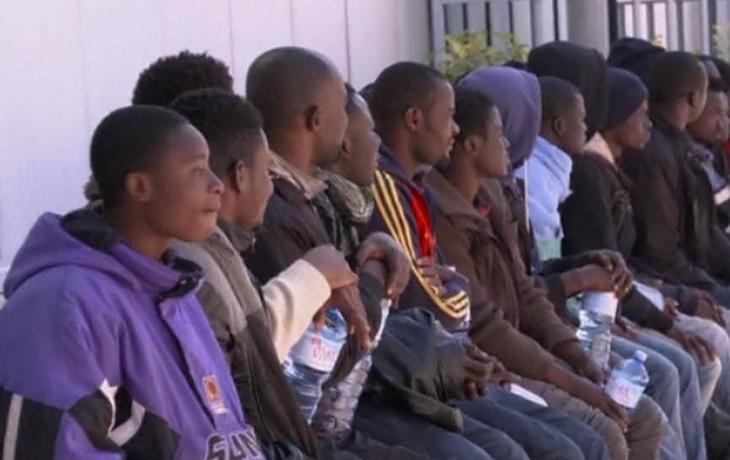 V Hradišti se objevilo 12 uprchlíků, Hluk pořádá sbírku