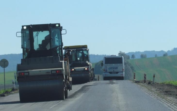 Pozor! Cestu do lázní a Bojkovic prodlužují opravy