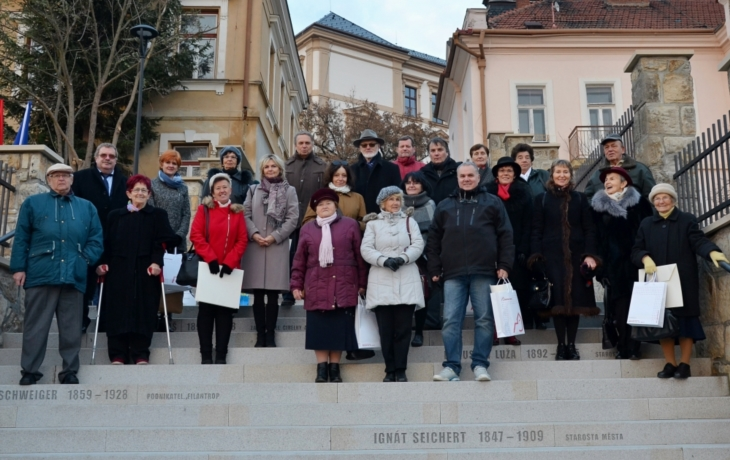 87 schodů, 44 jmen, 23 příbuzných