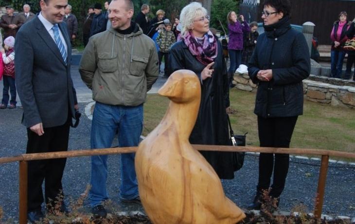 Bývalému Husímu rynku dominuje dřevěná husa