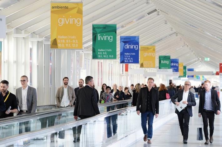 Skláři přivezli z Frankfurtu zakázky za 140 milionů