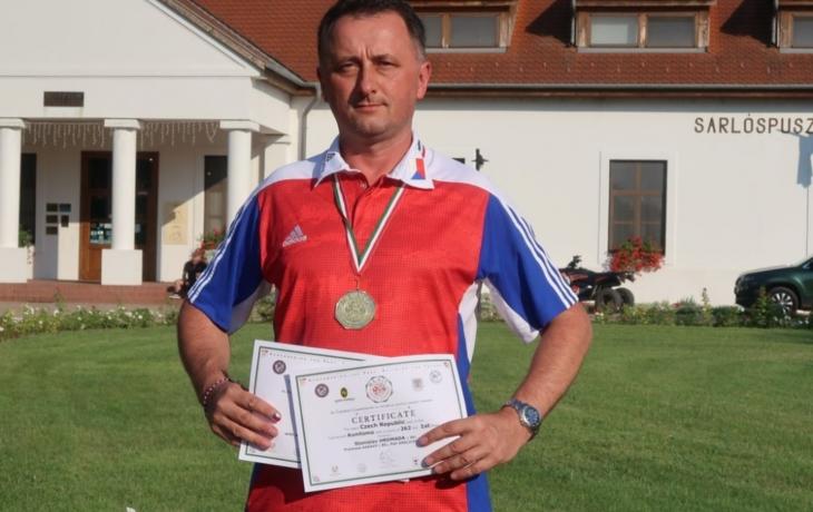 Hromada má titul, Malůš bronzový double