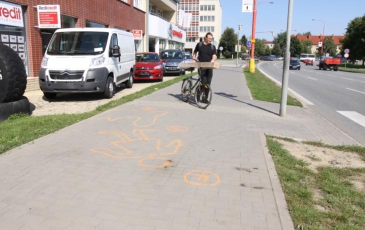 Dva cyklisté utrpěli zranění