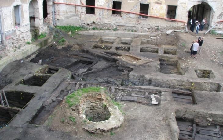 Archeologové vyvrátili mýty, hrad neměl sypaný val