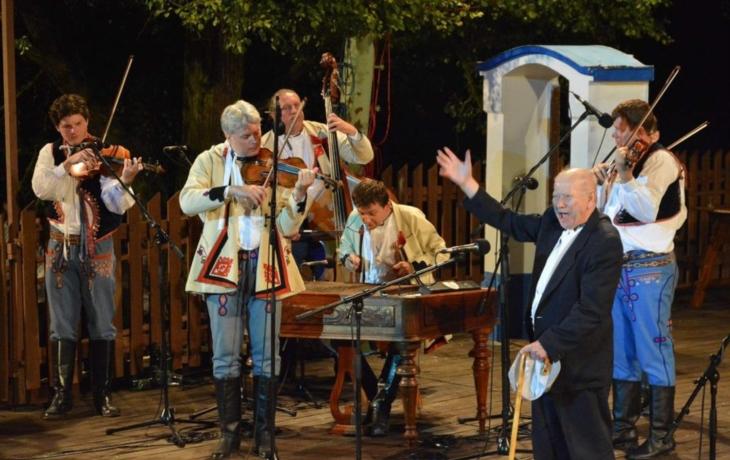Musica Folklorica pokřtila CD Nejen zahrádečky