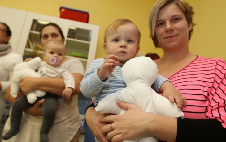 Kiwanis panenky rozveselily nemocné děti