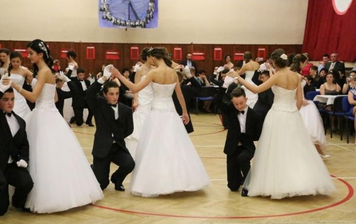 Rodičovský ples v londýnském stylu