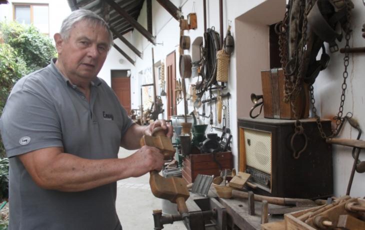 Sběratel si otevřel muzeum s nářadím a technikou