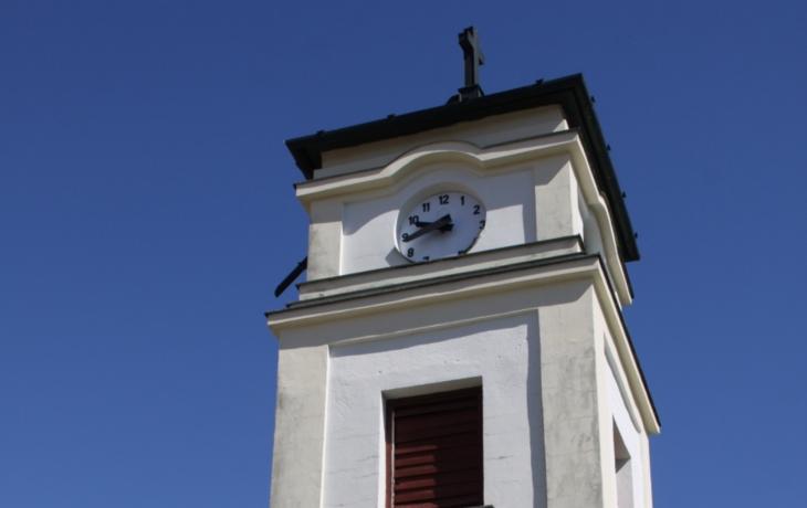 Zvonici čeká oprava, břeh zpevní zídka