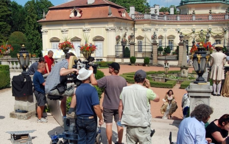 Filmaři připravili zámek o 10 tisíc turistů