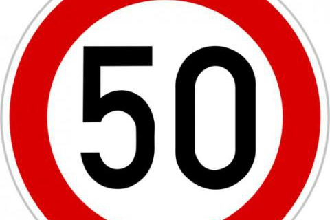 """Na křižovatce u Chabaní jen """"50"""""""