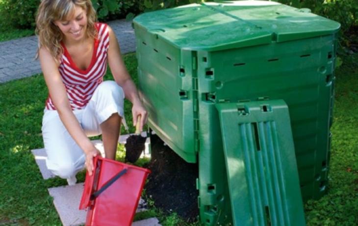 Lidé dostali zdarma kompostéry