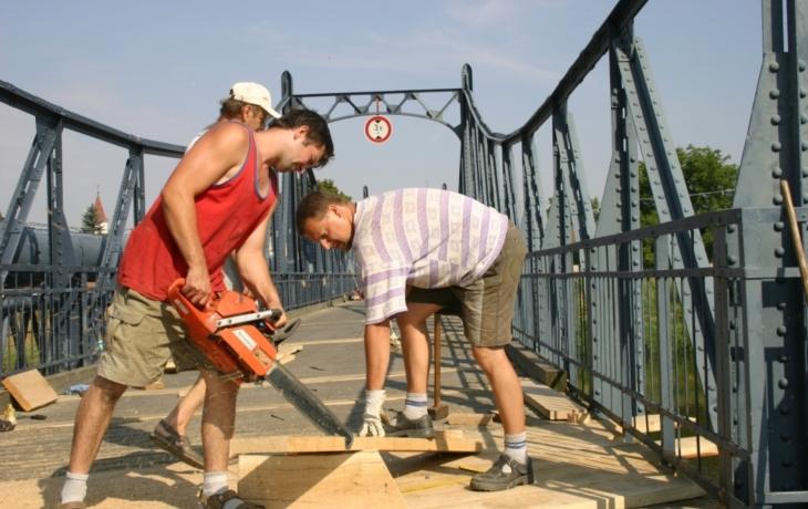 Most se přespolním uzavře, přijde odveta?