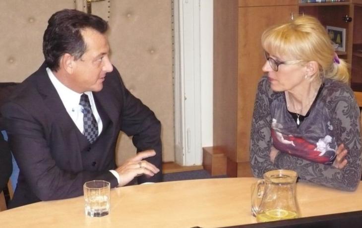 Alagia je ve sporu s ministerstvem o funkci poradce