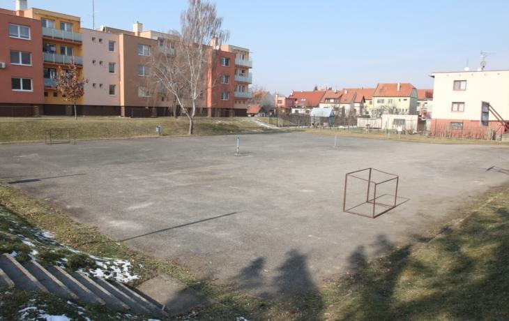 Hřiště Michalská: Děti zdarma, dospělí za sto