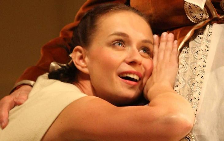 Herečka Andrea Nakládalová čeká holčičku