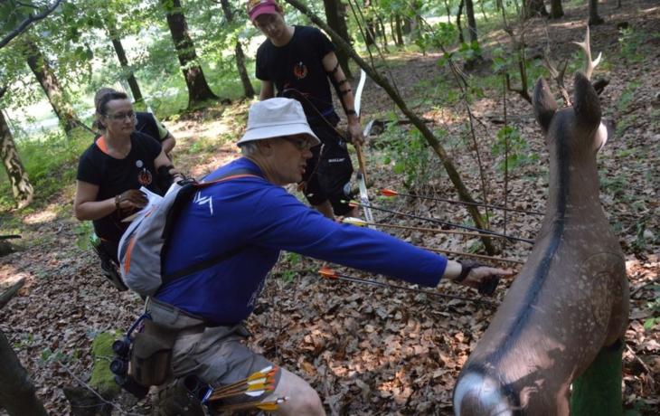 Lukostřelci lovili figuríny zvířat