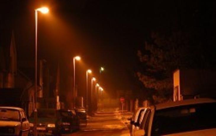 Ulice potemní, města a obce ušetří statisíce