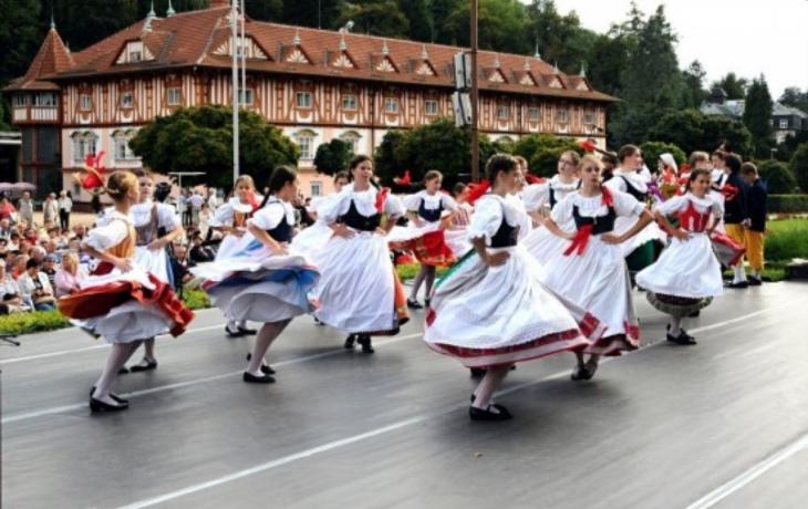 Luhačovice o víkendu ožijí dětským folklorním festivalem