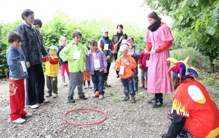 Děti pomáhaly Rumcajsovi hledat střelivo