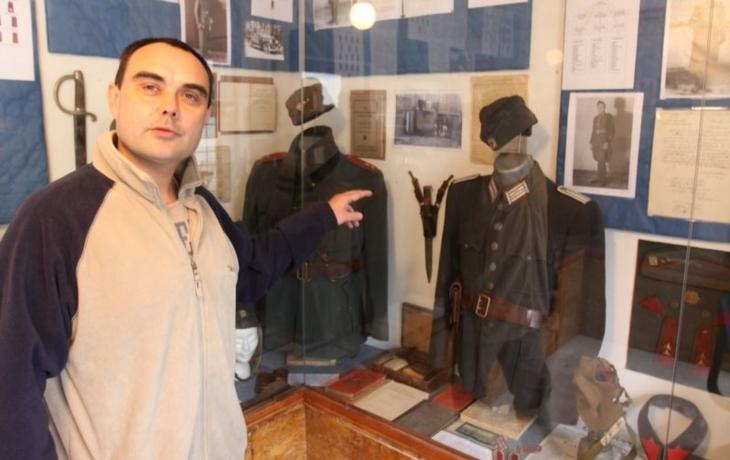 Sběrateli uhranuly uniformy, z četnických má domácí muzeum