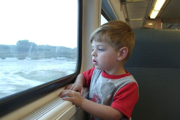 Děti do 6 let za vlak neplatí, ale bez jízdenky cestovat nesmí