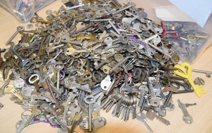 Brod si nechá postavit památník z klíčů. Ale originální nápad to není
